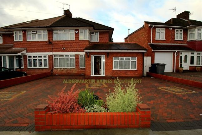 Thumbnail Semi-detached house to rent in Broadfields Avenue, Edgware, Middlesex