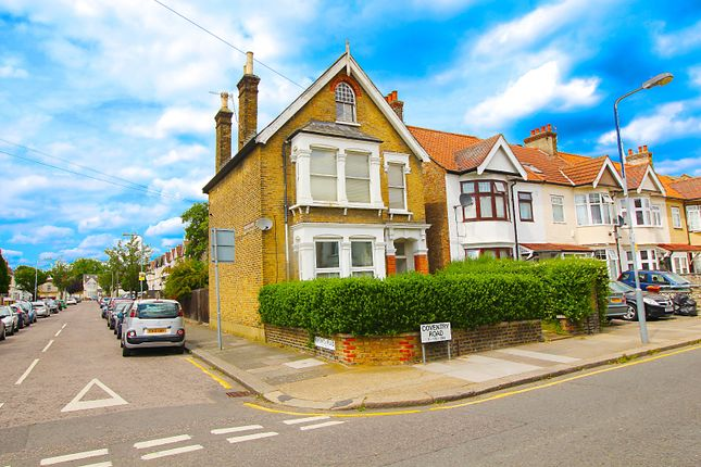 Thumbnail Flat to rent in Coventry Road, Ilford