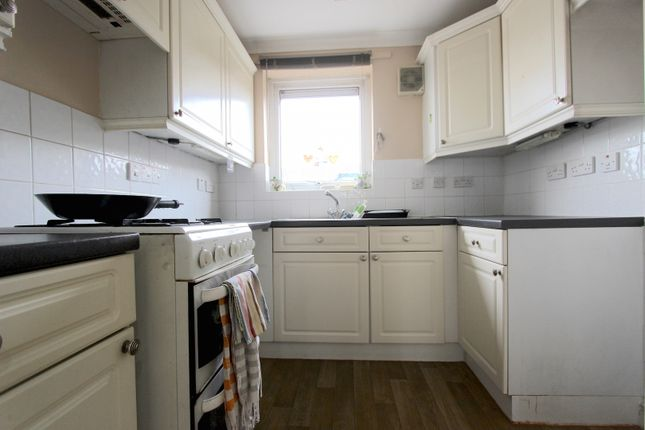 Thumbnail Terraced house to rent in Wharfside Close, Erith, Kent