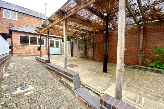 Thumbnail Pub/bar for sale in 5-6 The Knibbs, R/O 23/25 Smith Street, Warwick