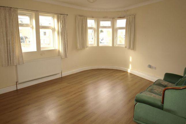 Thumbnail Maisonette to rent in Farnborough Road, Farnborough