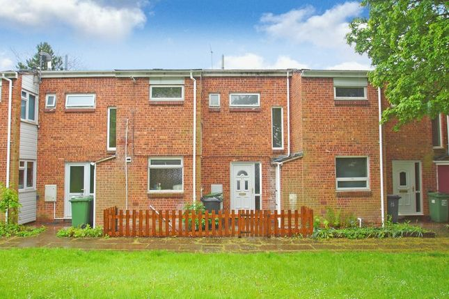 Thumbnail Terraced house to rent in Kilpeck Close, Winyates East, Redditch