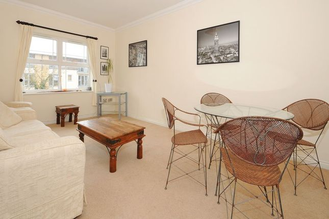 Thumbnail Flat to rent in Clarence Road, Windsor