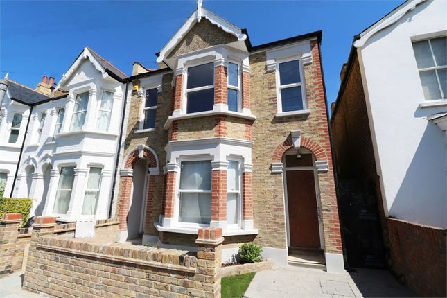 2 bed flat to rent in Park Road, Colliers Wood, London SW19