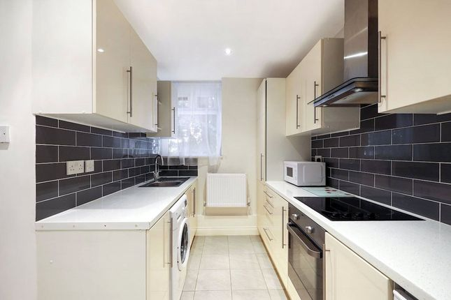 Thumbnail Flat for sale in Old Ford Road, Bethnal Green