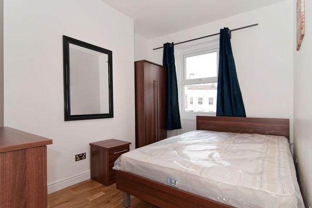 Thumbnail Flat to rent in Richmond Way, London