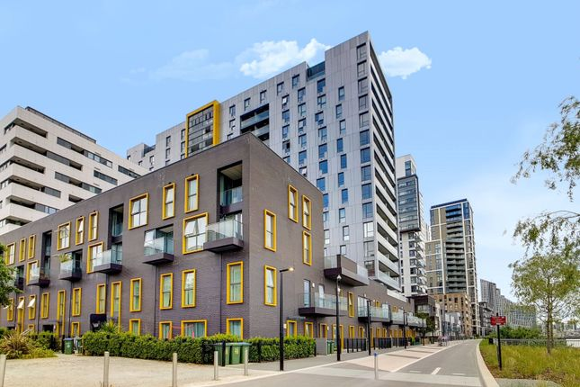 Picture No. 02 of Bessemer Place, London SE10