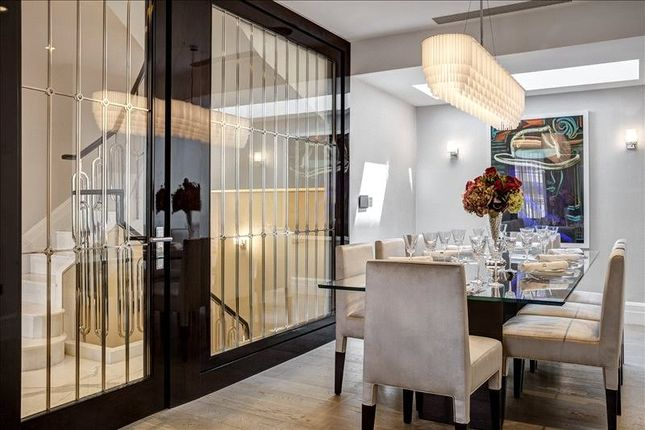 Dining Area of South Street, Mayfair, London W1K