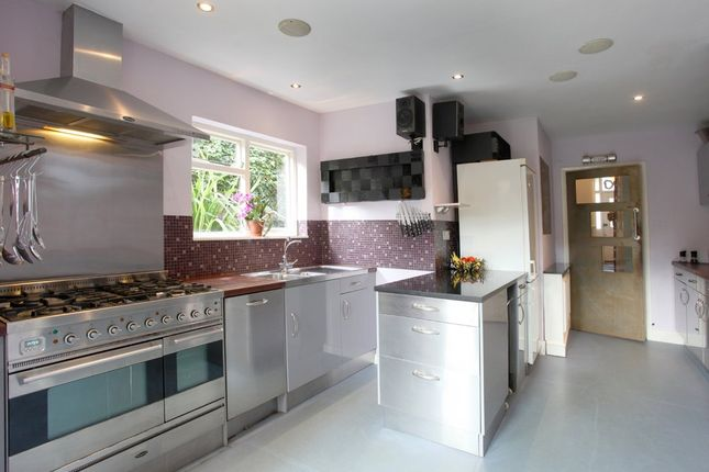 4 bed terraced house to rent in Adelaide Avenue, Brockley, London