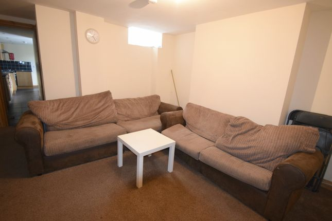 Thumbnail Shared accommodation to rent in Minny Street, Cardiff