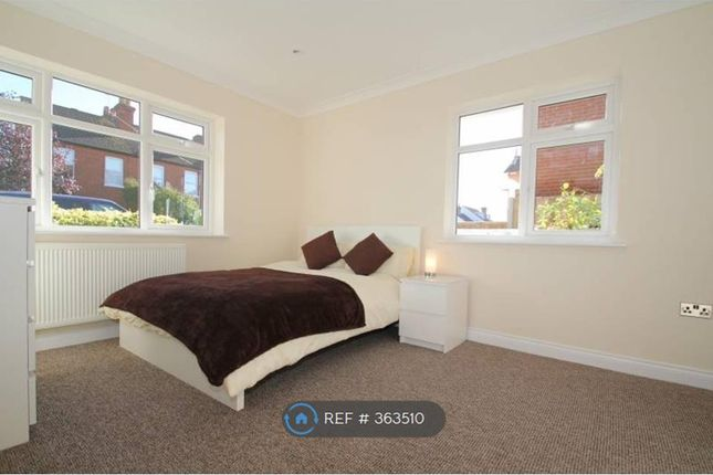 Thumbnail Room to rent in Windsor Road, Farnborough