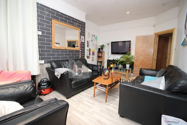 Thumbnail Terraced house to rent in 47/49 Richmond Avenue, Hyde Park, Fourteen Bedrooms, Eleven, Leeds