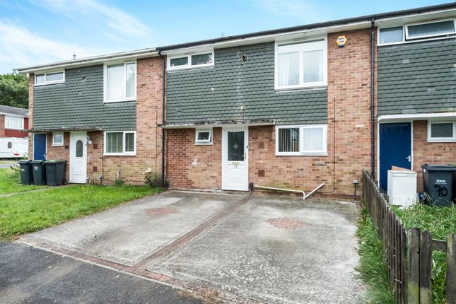 3 bed terraced house for sale in Shaftesbury Avenue, Purbrook, Waterlooville