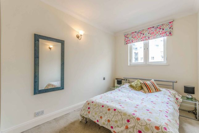 Thumbnail Flat to rent in Old Sun Wharf, Limehouse