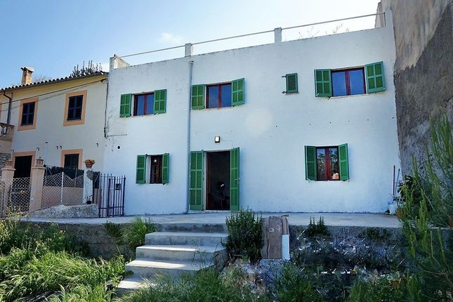 3 bed villa for sale in Puigpunyent, Mallorca, Spain