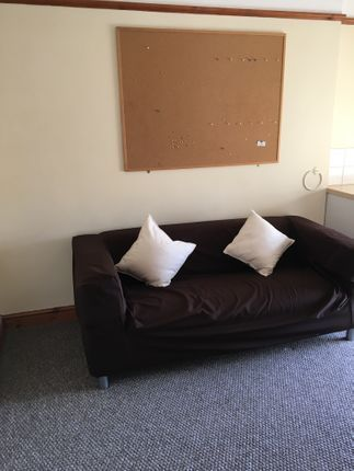 Thumbnail Maisonette to rent in 19 Beach Street, Flat 3, Swansea