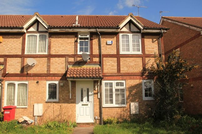 Thumbnail Property to rent in Meadfield Road, Langley, Slough