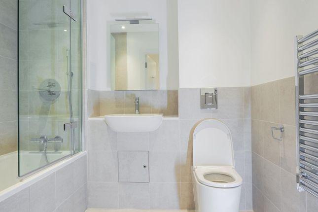 Bathroom of 11 Maritime Street, London SE16