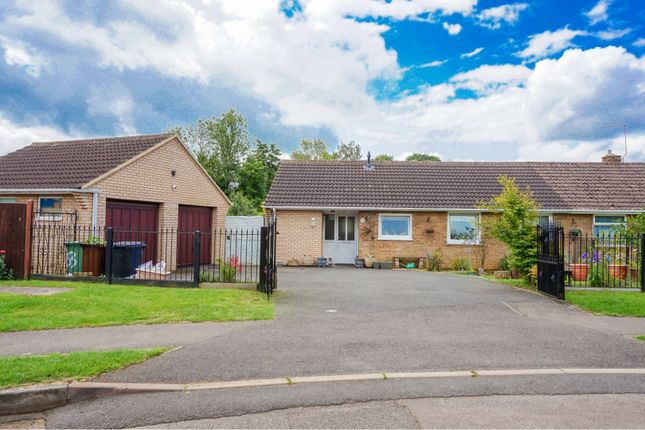 Thumbnail Bungalow for sale in Willow Lane, Stanion, Kettering