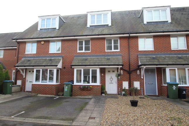 Thumbnail Terraced house to rent in Faulkner Gardens, Wick, Littlehampton