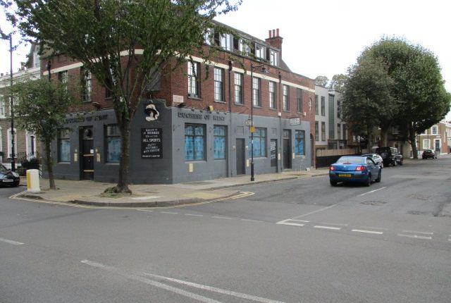 Thumbnail Pub/bar to let in Prebend Street, London