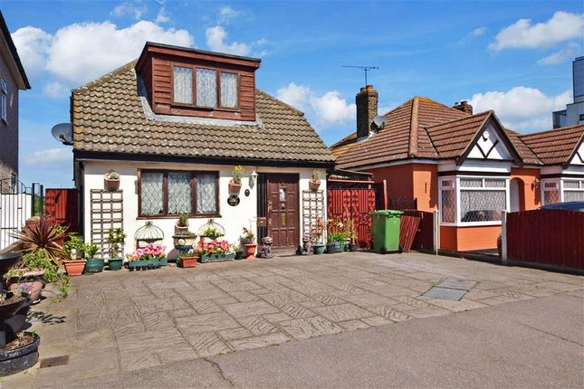 Bungalow for sale in Lower Mardyke Avenue, Rainham, Essex