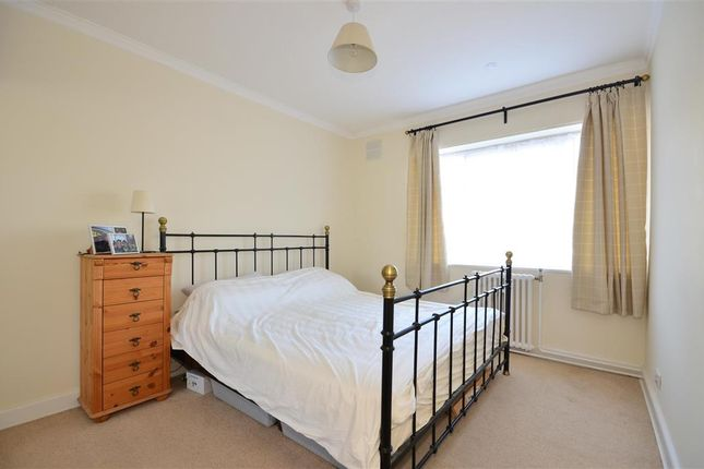 Thumbnail Flat for sale in Winchelsea Gardens, Worthing, West Sussex