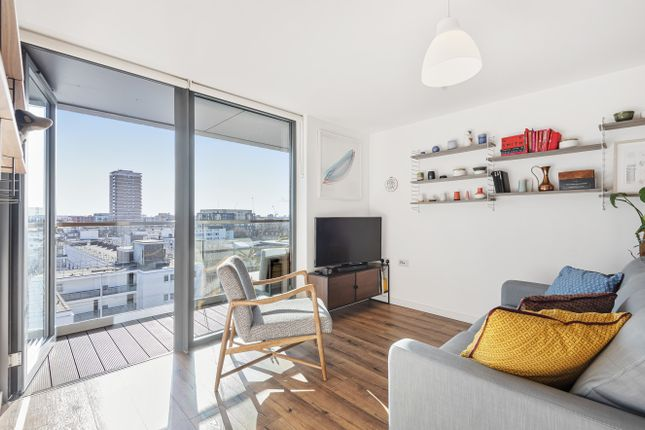 1 bed flat for sale in Hartley House, Chambers Street, Southwark, London SE16