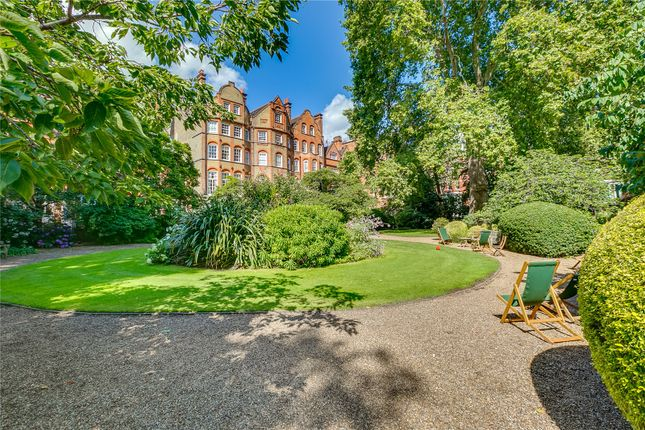 Gardens of Collingham Gardens, Earl's Court, London SW5