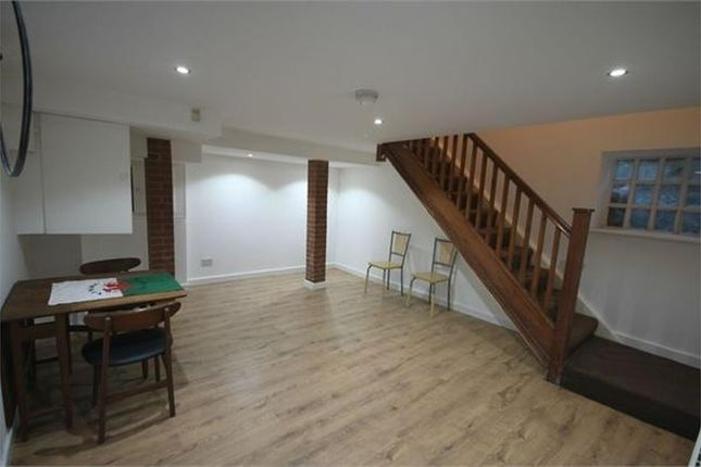 Thumbnail Terraced house to rent in Weetwood Lane, Leeds