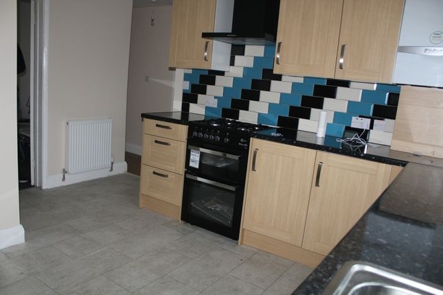 Thumbnail Semi-detached house to rent in Marlow Road, Southall, Middlesex