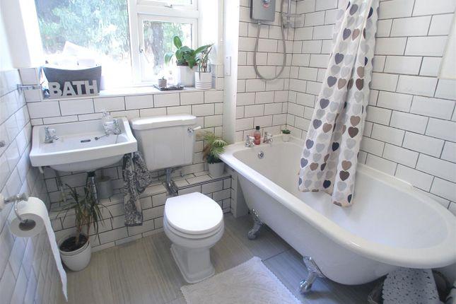 Luxury Bathroom of Grosvenor House, Stortford Hall Park, Bishop's Stortford CM23
