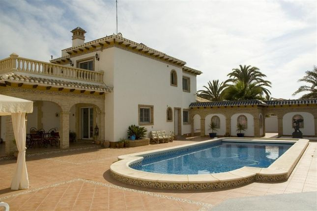 Thumbnail Villa for sale in Avenida T.Pichón V. Costa, 03189 Orihuela, Alicante, Spain