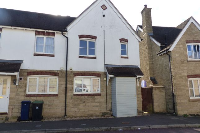Thumbnail Semi-detached house to rent in Weatherbury Road, Gillingham
