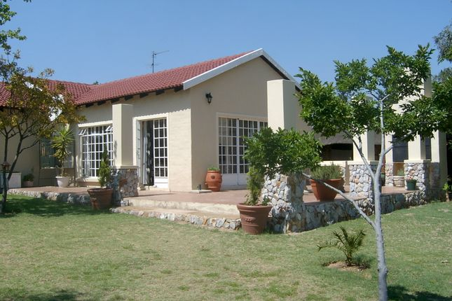 Thumbnail Equestrian property for sale in Cactus Road, Kyalami, Midrand, Gauteng, South Africa