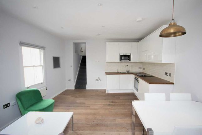 Thumbnail Flat to rent in Bethnal Green Road, London, Bethnal Green