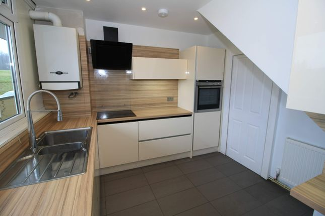 Thumbnail Maisonette for sale in Cotmandene, Dorking