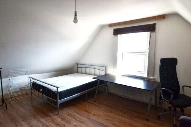 Bedroom 2 of N8, Turnpike Lane, - 3 Bedroom Flat