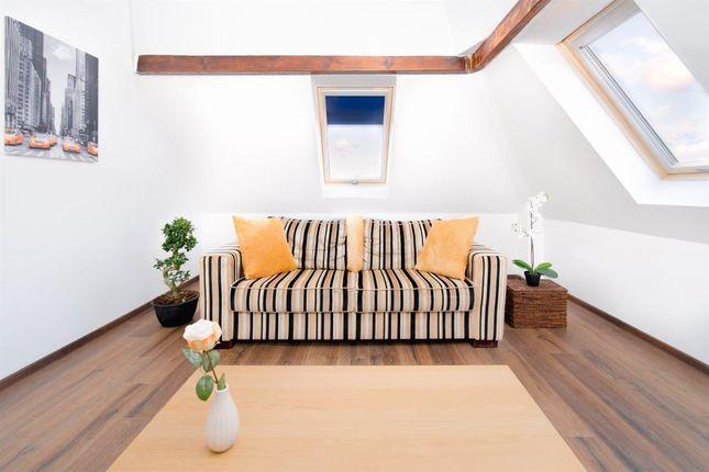 Thumbnail Flat to rent in Ferrybridge Road, Castleford