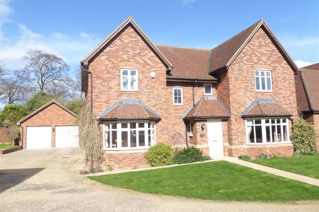 Thumbnail Detached house for sale in Lancot Place, Dunstable