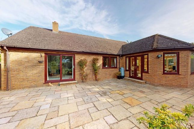 Thumbnail Detached bungalow for sale in Vence Close, Stamford, Lincolnshire