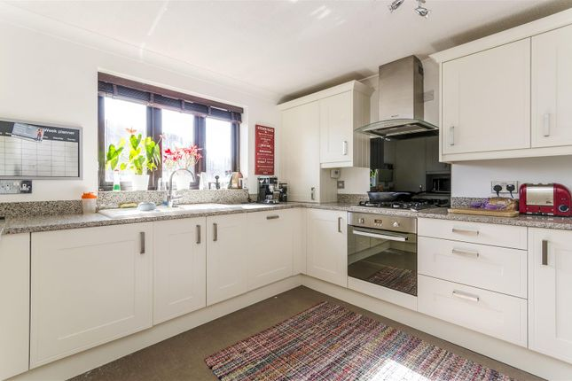 Thumbnail Flat for sale in Moorhead Court, Channel Way, Southampton