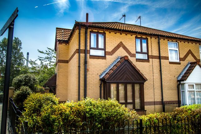 Thumbnail Semi-detached house for sale in Vauxhall Grove, Hull, East Riding Of Yorkshire