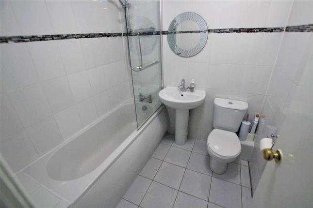 Bathroom of Main Street, Holytown, Motherwell ML1