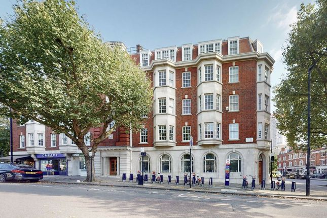 4 bed flat for sale in Westminster Court, London NW8