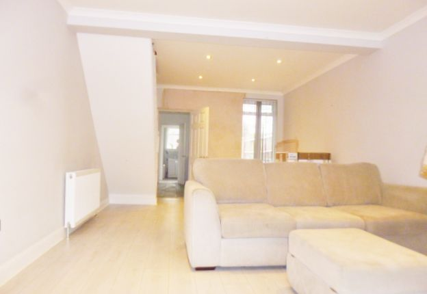 2 bed terraced house to rent in Ridge Street, Watford WD24