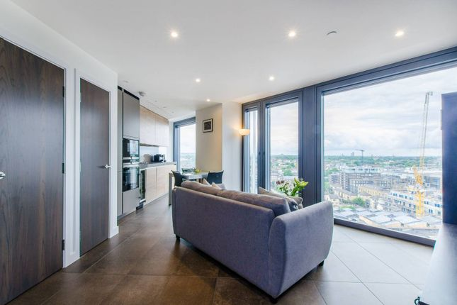 Thumbnail Flat for sale in City Road, Clerkenwell