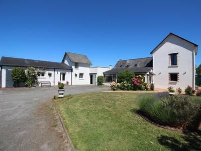 4 bed property for sale in Chateau-Gontier, Mayenne, France