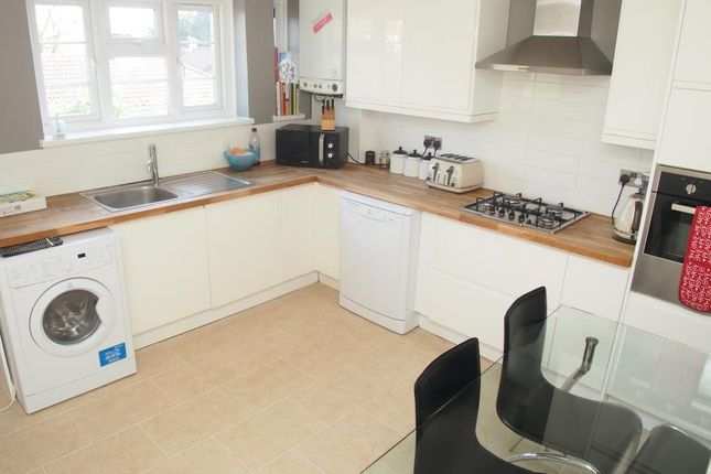 Thumbnail Maisonette to rent in Firs Lane, Palmers Green
