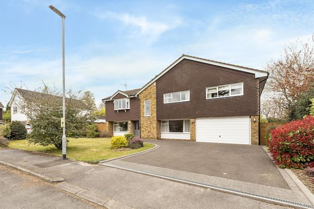 Thumbnail Detached house for sale in The Uplands, Harpenden